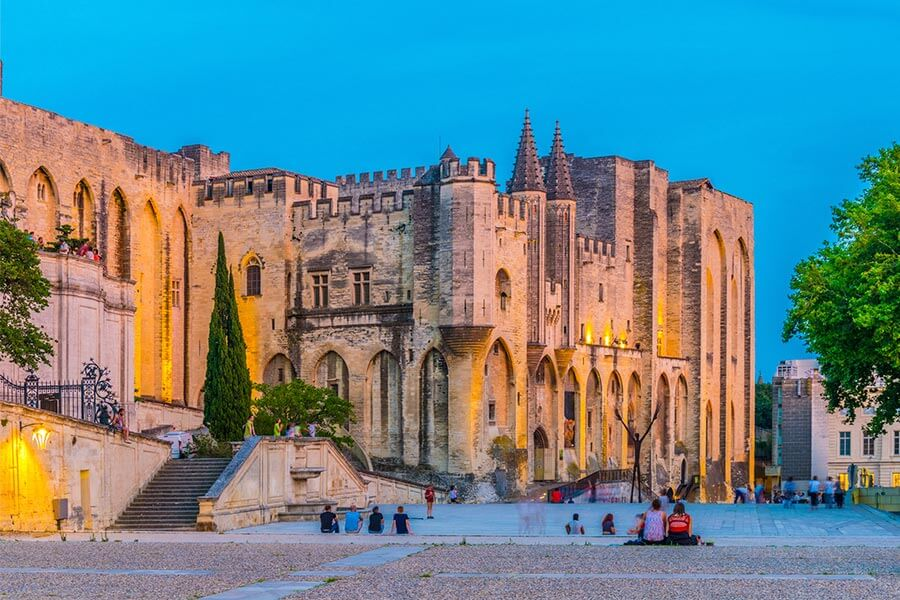 Urlaub Avignon Papstpalast © Dudlajzov / Fotolia