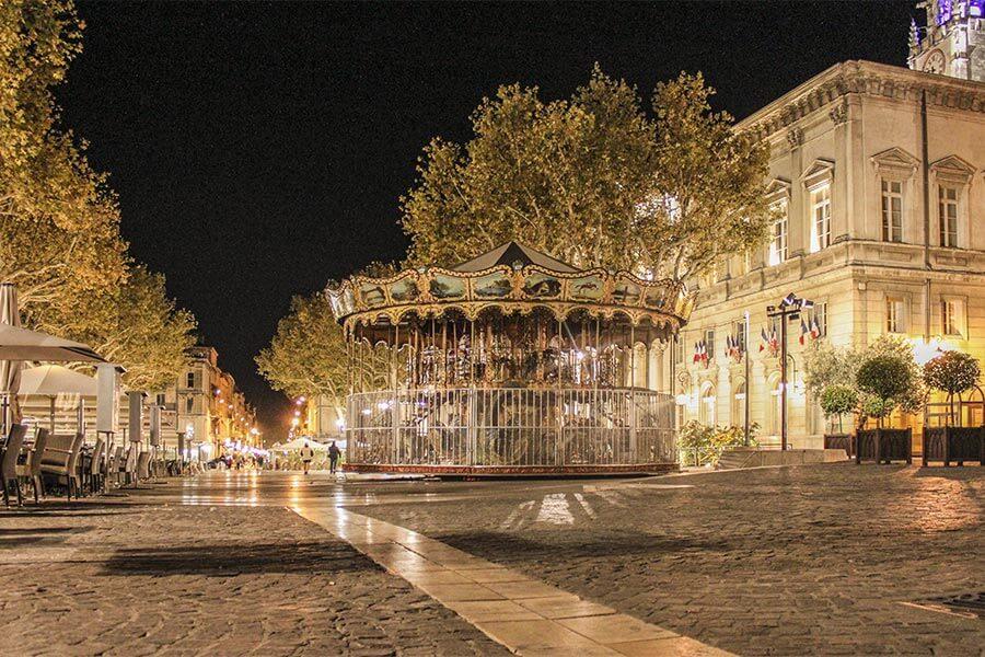 Nostalgisches Karussell auf dem Place d'Horloge © Siegbert Mattheis