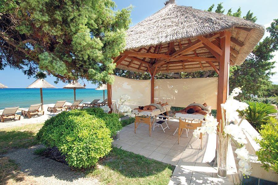 Entspannende Massage im Riva Bella Nature Resort & Spa auf Korsika