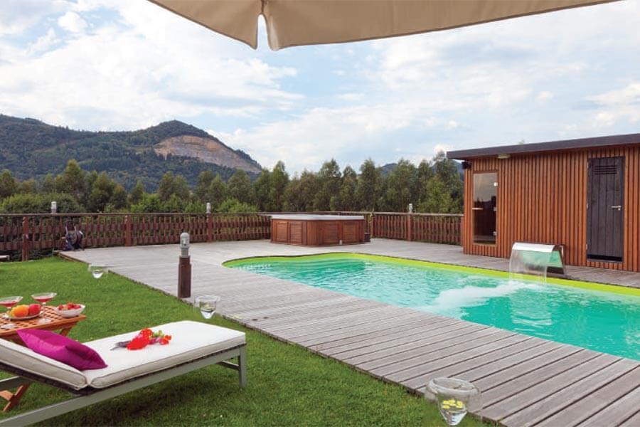 Ein kleiner Pool im Ea Astei