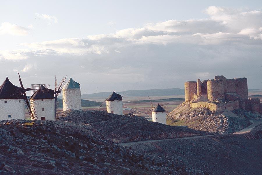 In Zentralspanien wie hier südlich von Madrid sind die Sommer sehr heiß und auch windig