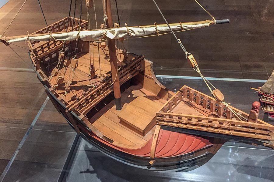 Schiffsmodell im MuCem