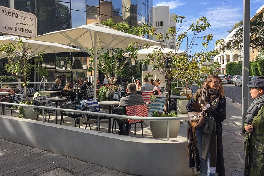 Die Terrasse des Café 65