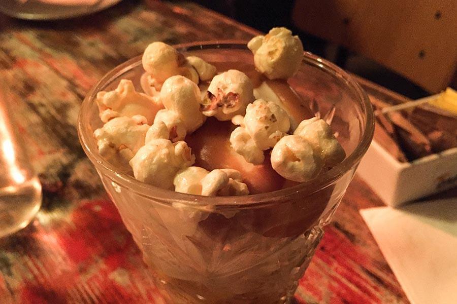 Schokoladenmousse mit Popcorn © Siegbert Mattheis