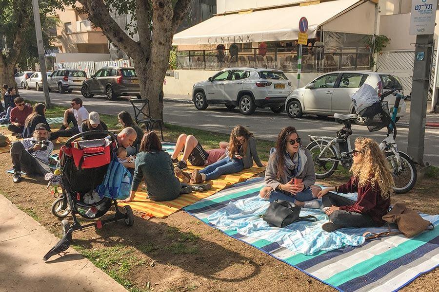 Picknick auf dem Rothschild Boulevard