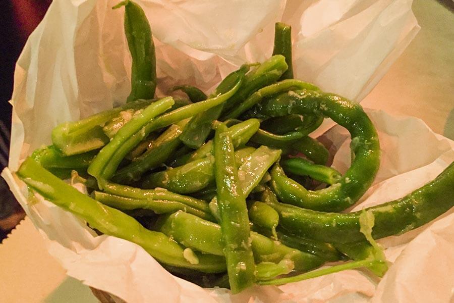 Köstliche Jericho Green Beans mit Knoblauch, Limettensaft und Olivenöl