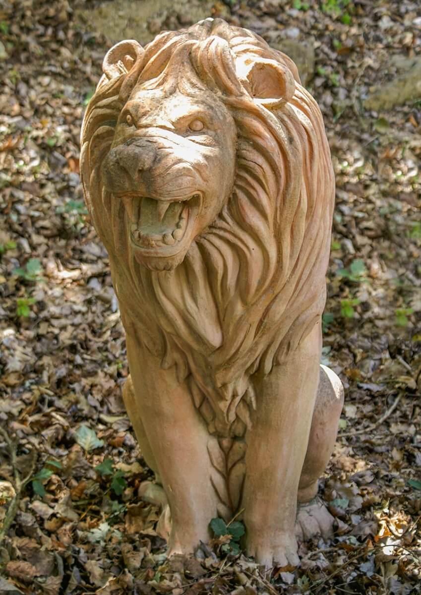 Diesen Terracotta-Löwen meint man brüllen zu hören © Siegbert Mattheis