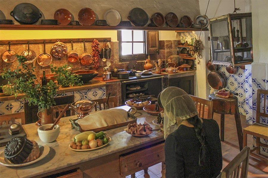 Alte mediterrane Küche in einem Museums-Landgut auf Mallorca © Siegbert Mattheis
