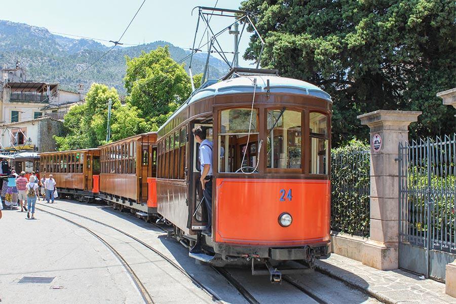 Die Straßenbahn von Sóller nach Puerto de Sóller fährt auch schon über 100 Jahre © Siegbert Mattheis
