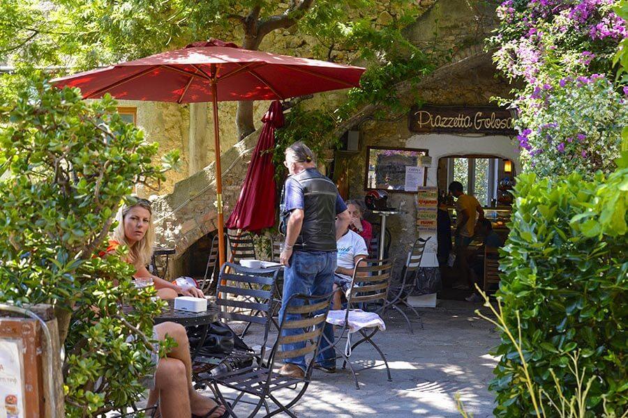 Piazetta Golosa, eins der Cafés im Ort © Siegbert Mattheis