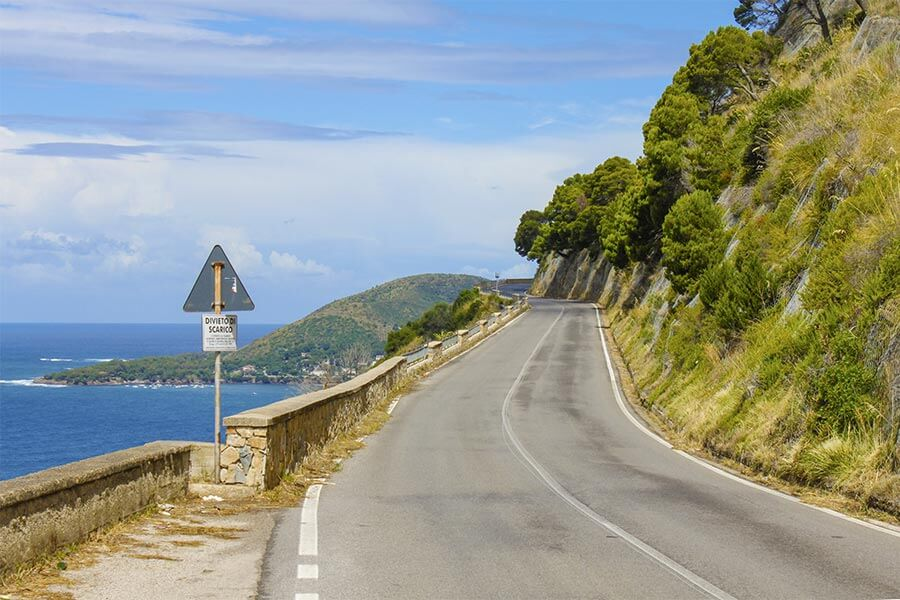 Küstenstraße im Cilento, fast wie die Amalfitana, aber viel weniger befahren © Siegbert Mattheis