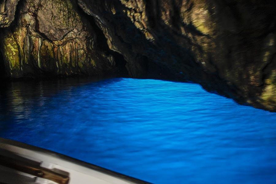 Fantastisches Licht in einer der blauen Grotten bei Palinuro © Siegbert Mattheis