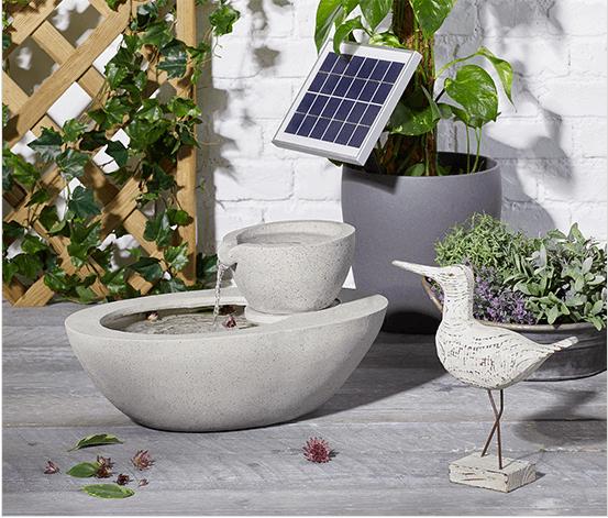 Solar-Gartenbrunnen in Steinoptik © Tchibo