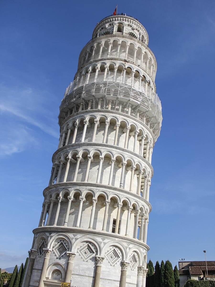 Der Turm in Pisa ist wirklich ziemlich schief © Siegbert Mattheis