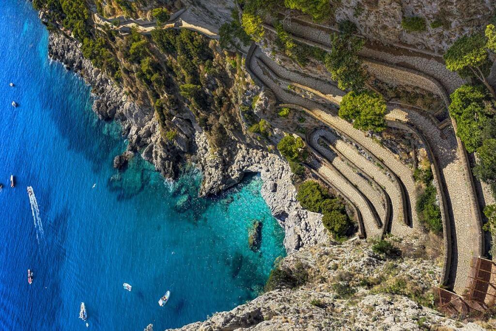 Die Via Krupp führt von Capri-Stadt aus nach Piccola Marina © Fotolia, Witr
