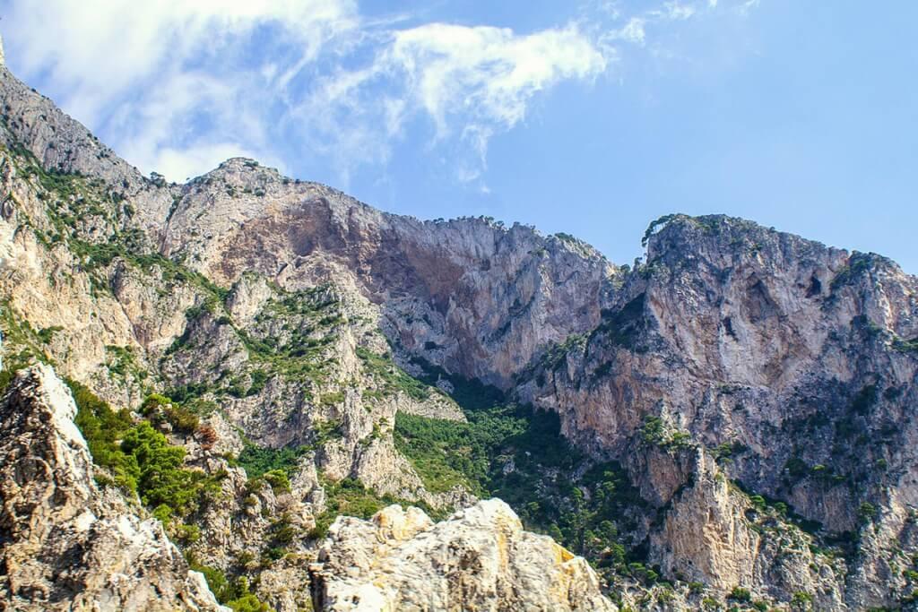 Faszinierende Steilklippen prägen Capri © Siegbert Mattheis