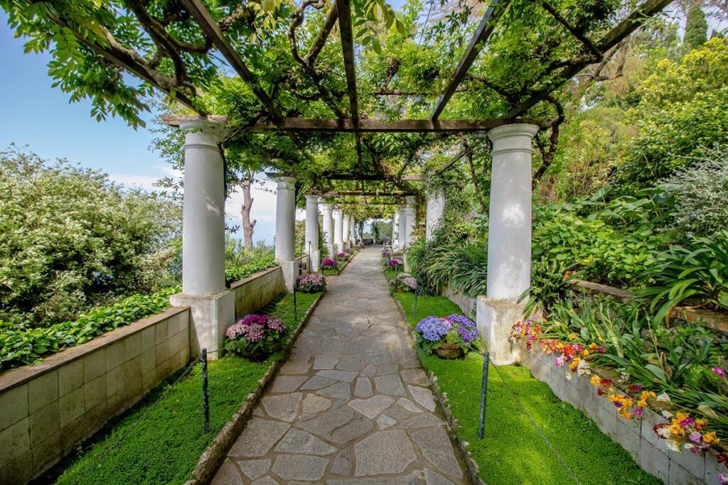 Der Garten der Villa Munthe © Fotolia, romanple