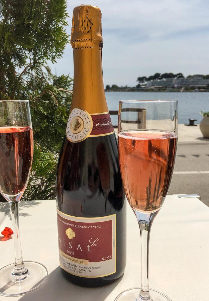 Misal-Rosé-Sekt nach der Méthode Champenoise © Claudia Mattheis
