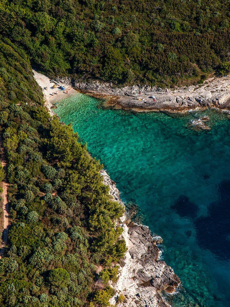 Versteckte Badebucht am Kap Kamenjak © Frank Heuer