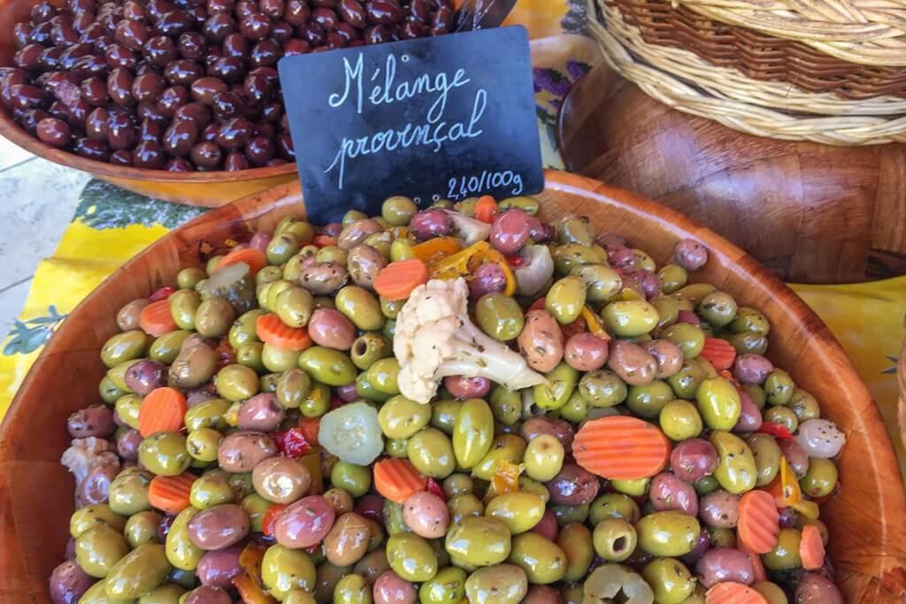 Köstlichkeiten auf dem Wochenmarkt © Siegbert Mattheis