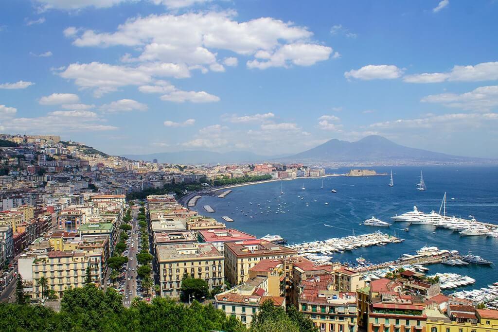 Das berühmte Postkartenmotiv mit dem Blick auf Neapel, Vesuv und den Golf © Siegbert Mattheis