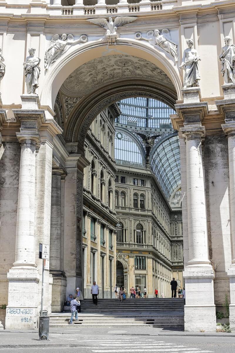 Eingang zur Galleria Umberto I © Siegbert Mattheis