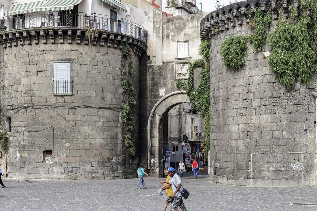 Porta Nolana, ein Teil der ehemaligen Stadtmauer © Siegbert Mattheis