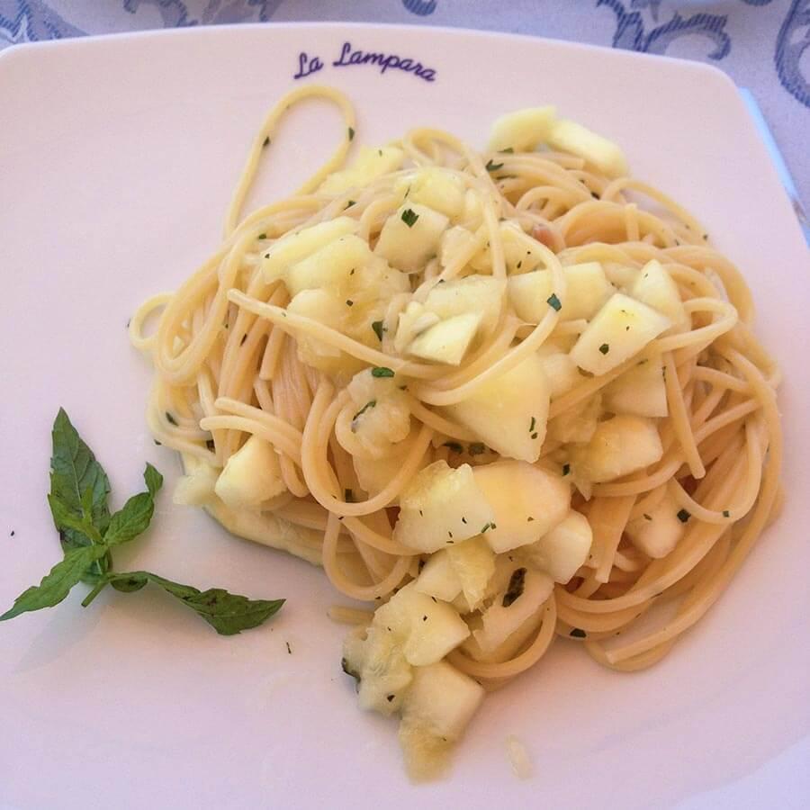 Leckere Spaghetti al limone im Restaurant La Lampara © Claudia Mattheis