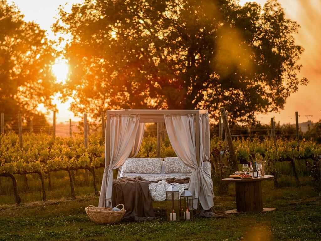 Schlafen unterm Sternenzelt mitten im Weinberg © Tenuta di Fra, Patrick Schwiembacher