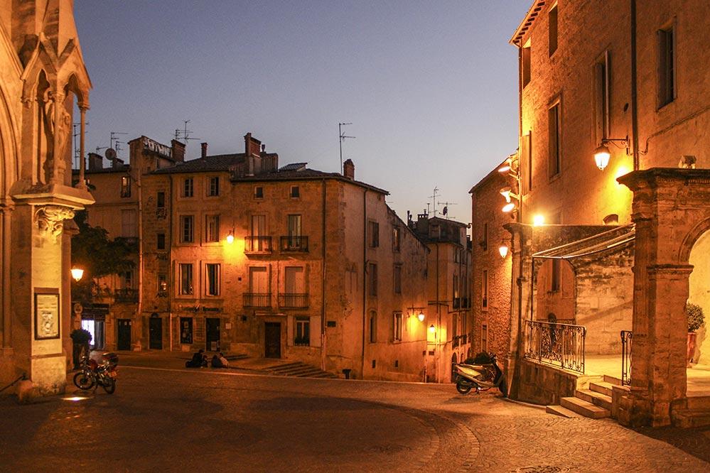 Abendstimmung im Carreé St. Anne vor der Kirche © Siegbert Mattheis