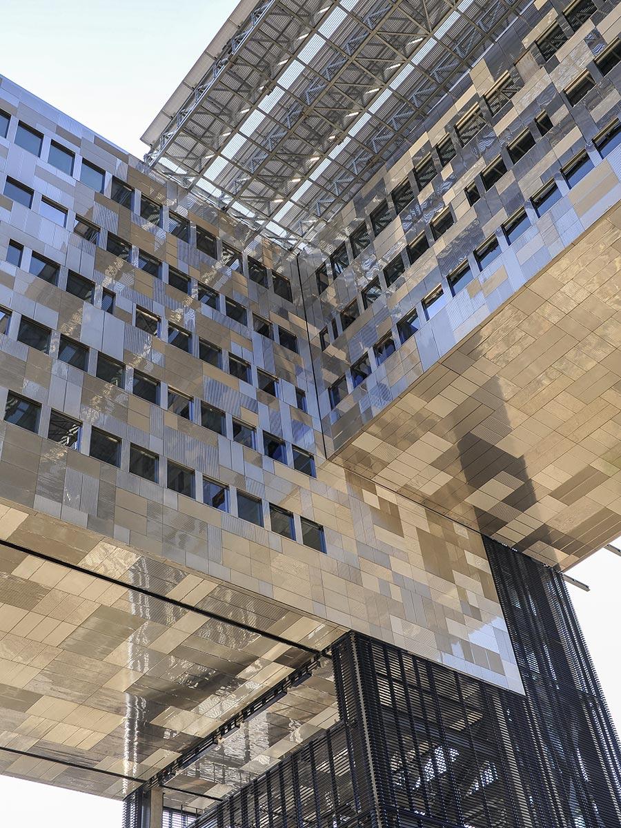 Montpellier Sehenswuerdigkeiten das neue Rathaus
