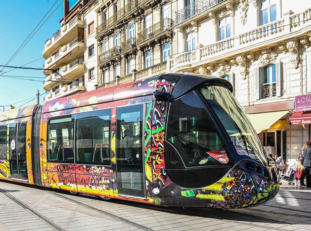Montpellier Sehenswuerdigkeiten Designer-Tram-L3