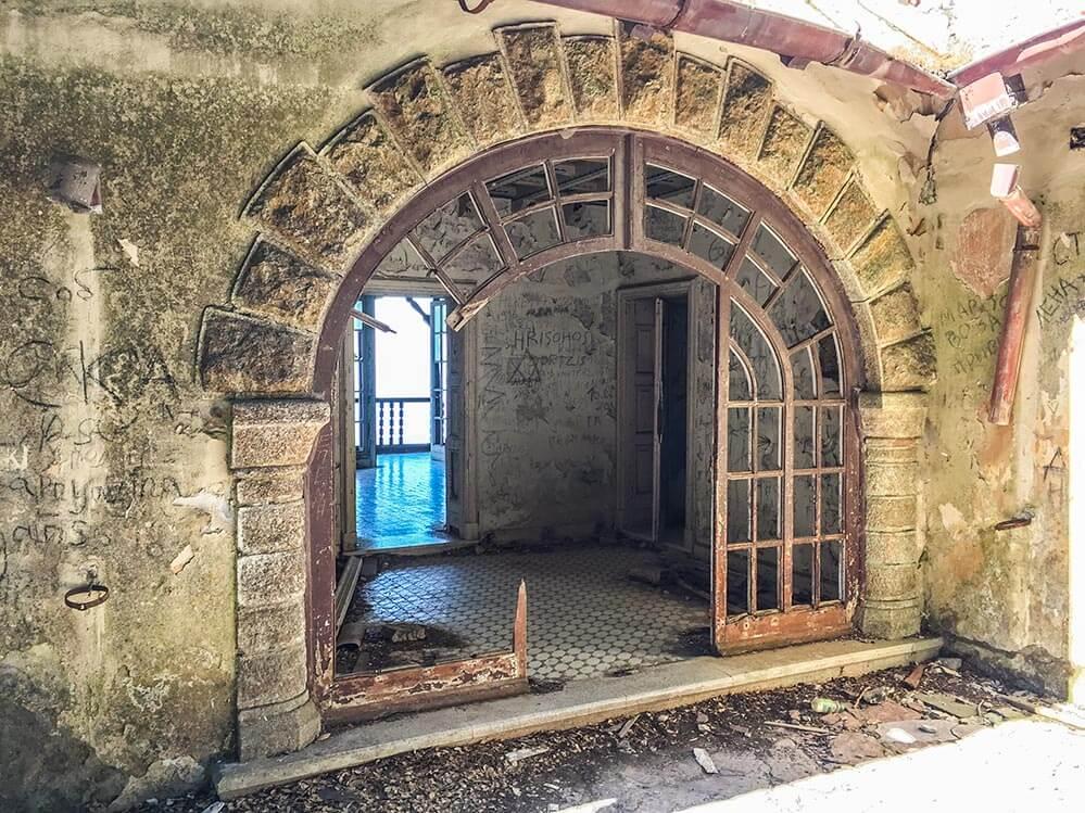 Rhodos Villa Mussolini, Der Eingang zur Villa Mussolini © Siegbert Mattheis