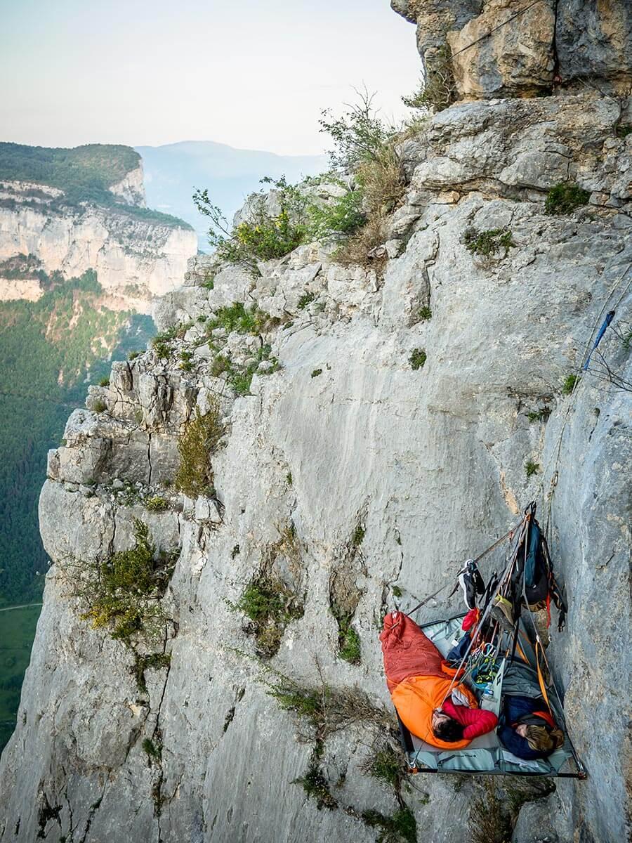 Schlafen in der Felswand, © Expedition Verticale