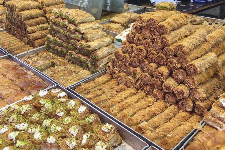 Baklava Stand auf dem Carmel-Markt in Tel Aviv © Siegbert Mattheis