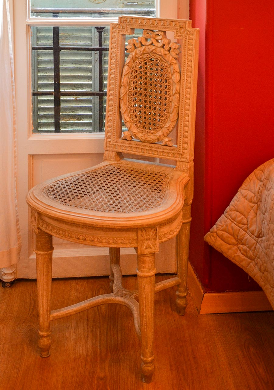 Provenzalischer Stuhl im Empire-Stil © Siegbert Mattheis