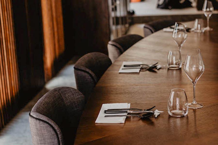 Der ovale Tisch im Hédone © Restaurant Hédone