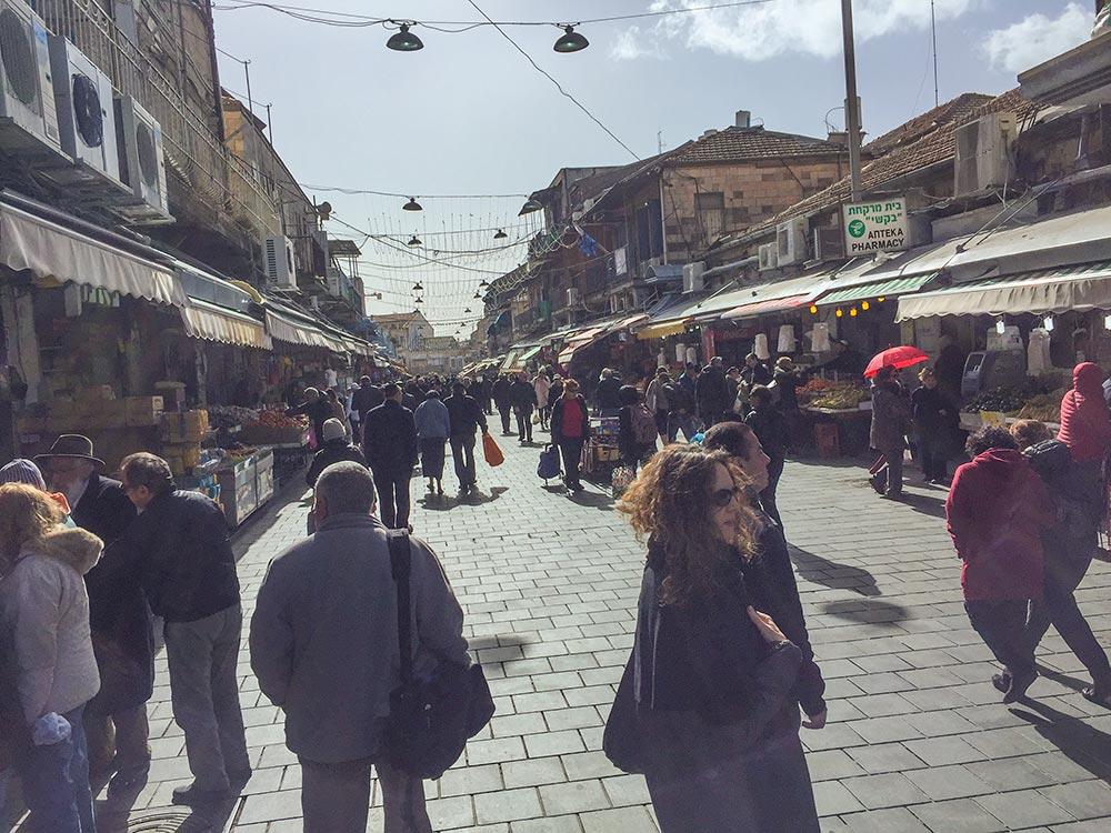 Auf dem Mahane-Yehuda-Markt