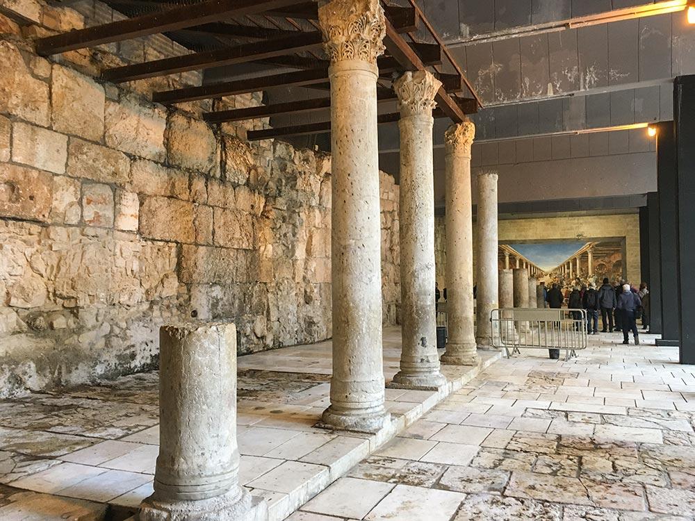 Die antiken Säulen des römischen Cardo