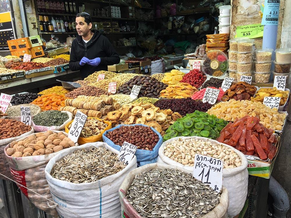 Getrocknete Früchte, Samen, Nüsse auf dem Markt