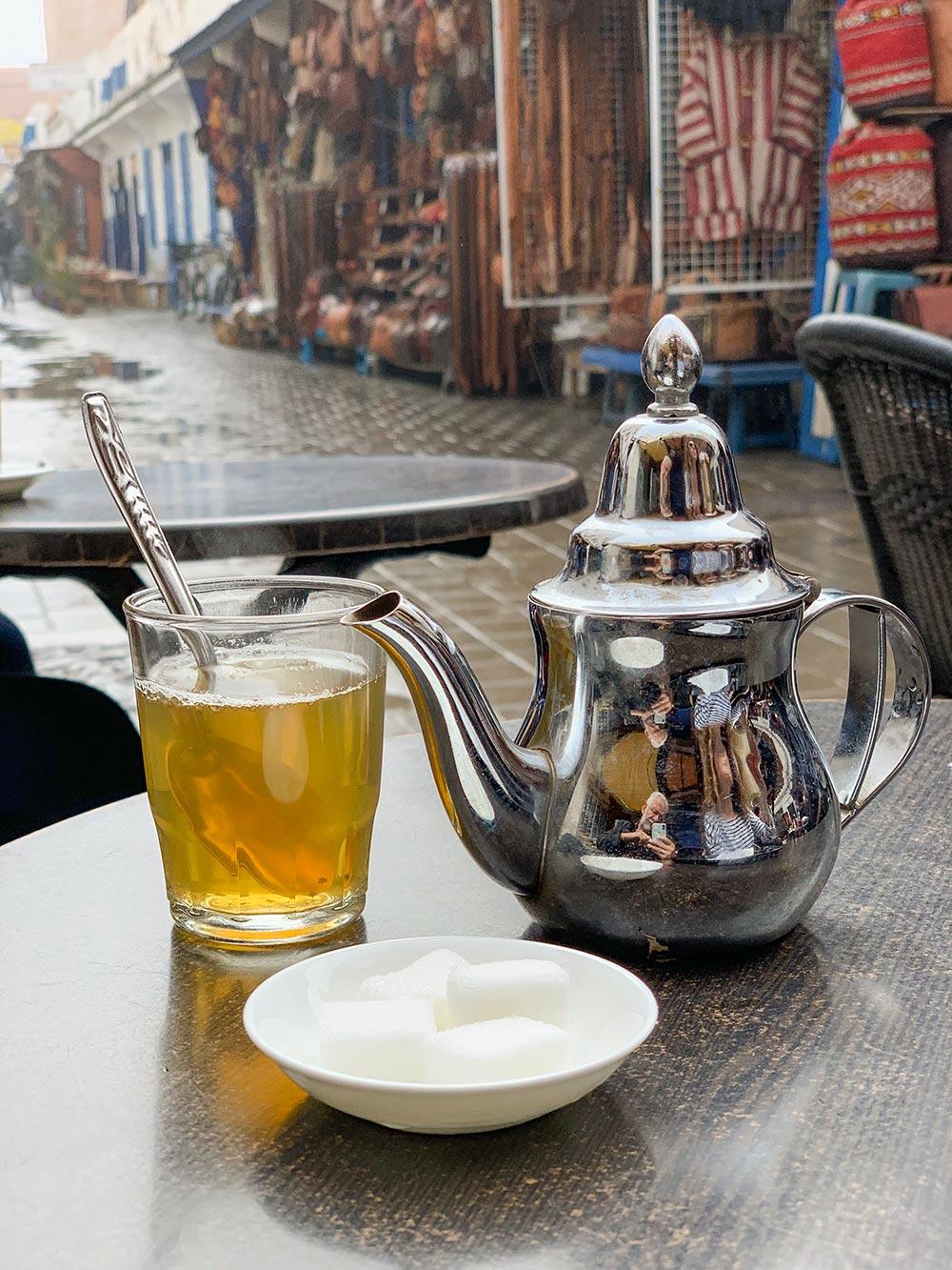 Thé à la menthe, marokkanischer Minztee © Siegbert Mattheis