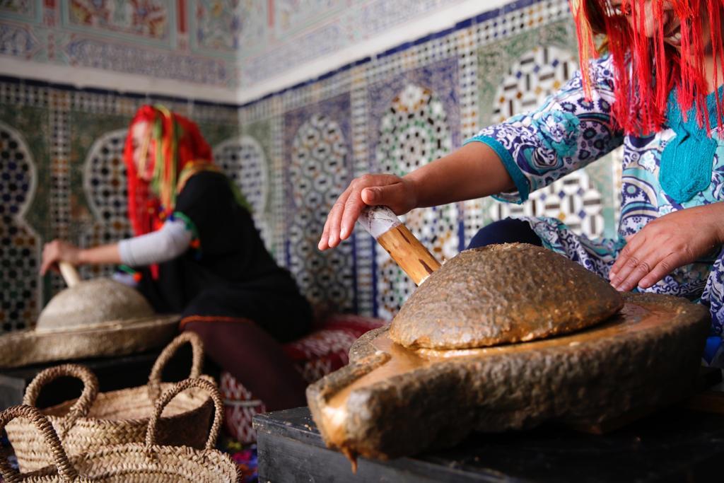 Berberfrauen bei der Arganölproduktion