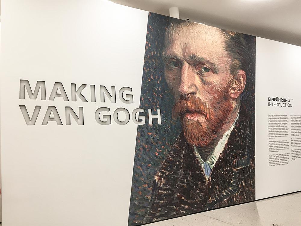 Making van Gogh-Ausstellung mit Selbstportrait von Vincent van Gogh
