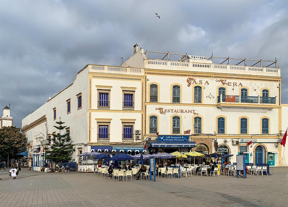 Cafés am Platz Moulay Hassan