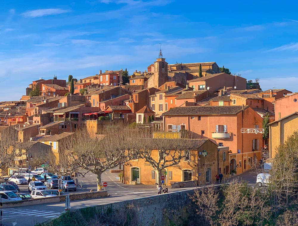 Das Dorf Roussillon im Januar