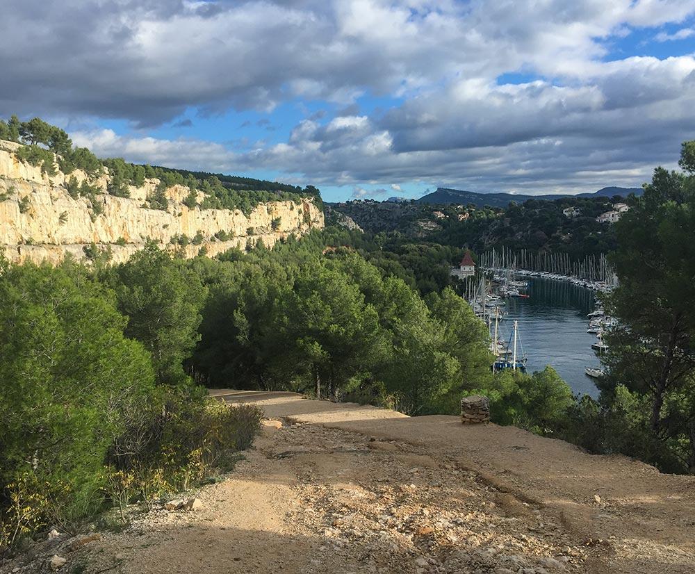 Blick auf Port Miou und den Weg nach Port Pin