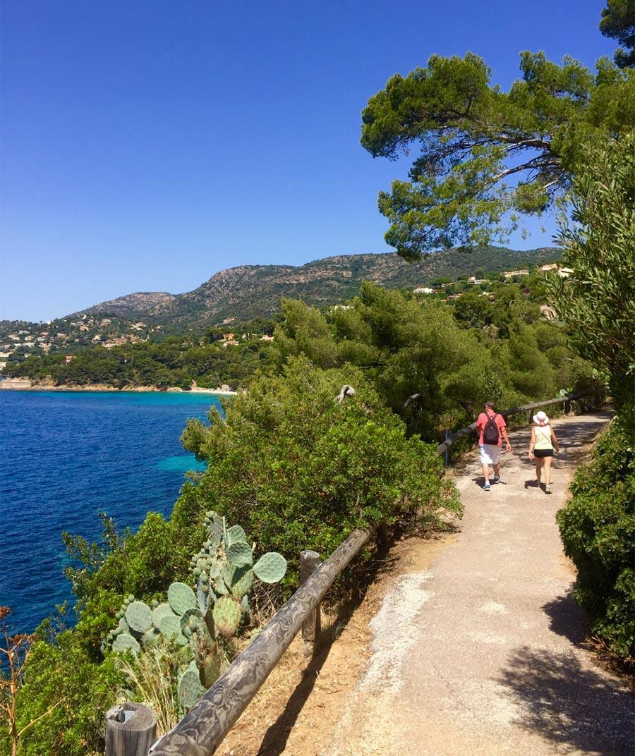 Wandern an der Küste in fantastischer Natur © OT Le Lavandou