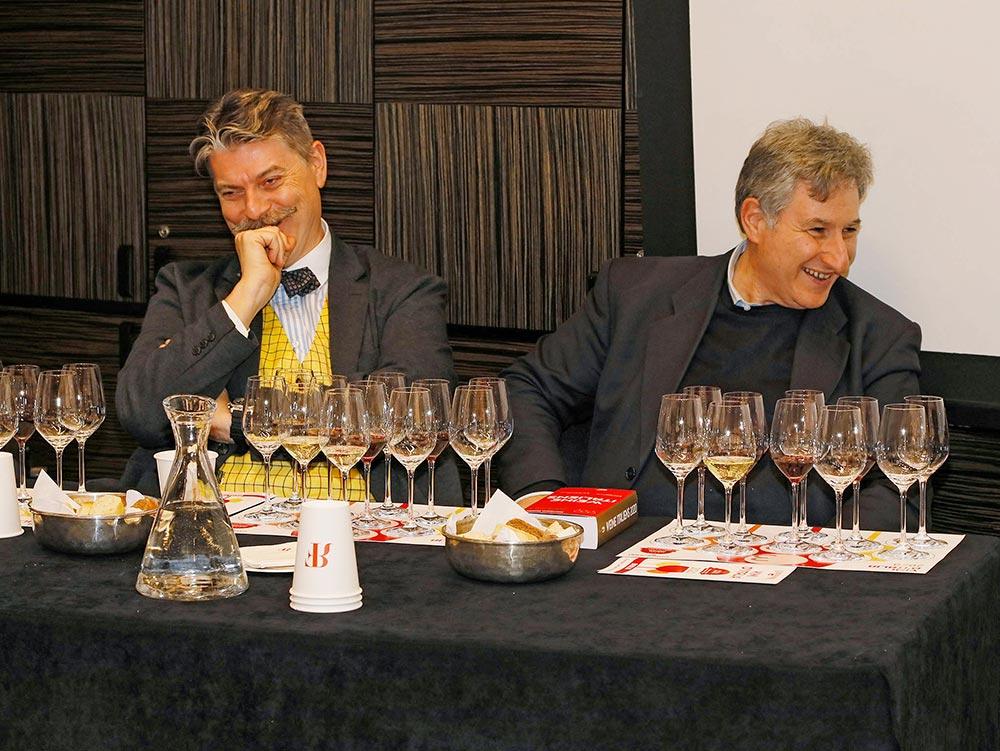 Links Marco Sabellico, rechts Gianni Fabrizio, die Herausgeber des Weinführers Vini d'Italia - Weine Italiens © Jan Roehl