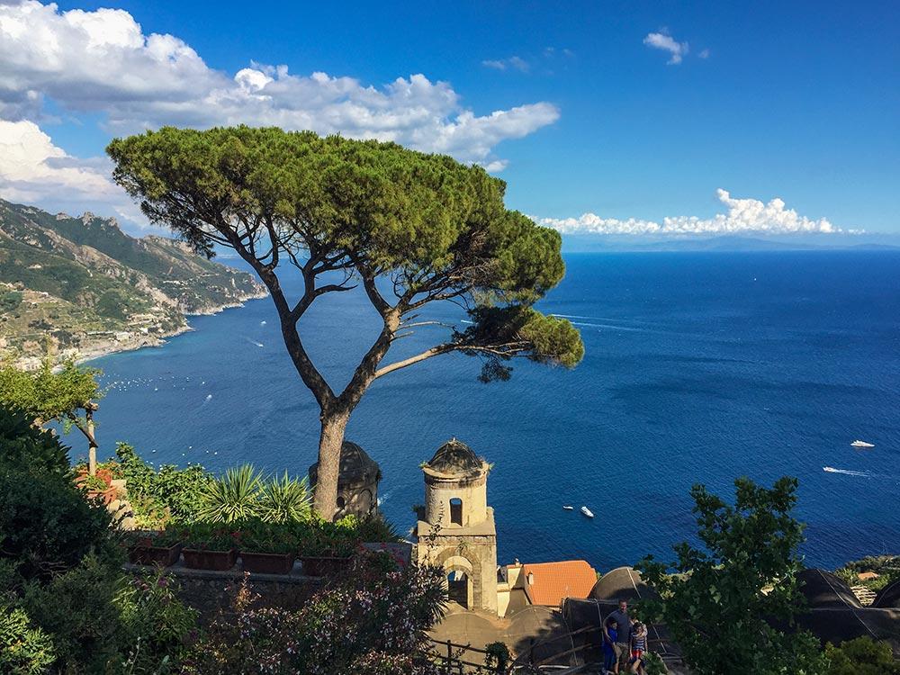 Ravello, Sinnbild für Italien, Blick aufs Meer