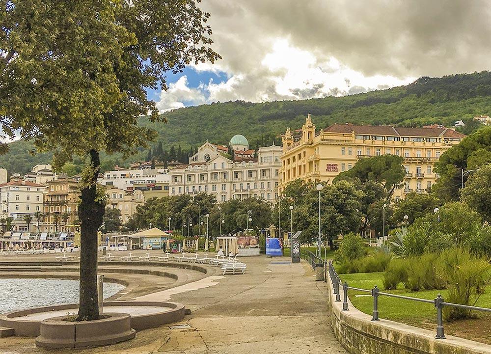 Opatija, alte Pracht im Grand Hotel Palace